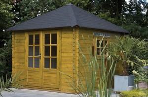 Blokhut met een vierhoekig dak.
