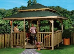 Een vierhoekig tuinpaviljoen, geschikt voor een kunststof dakgoot!